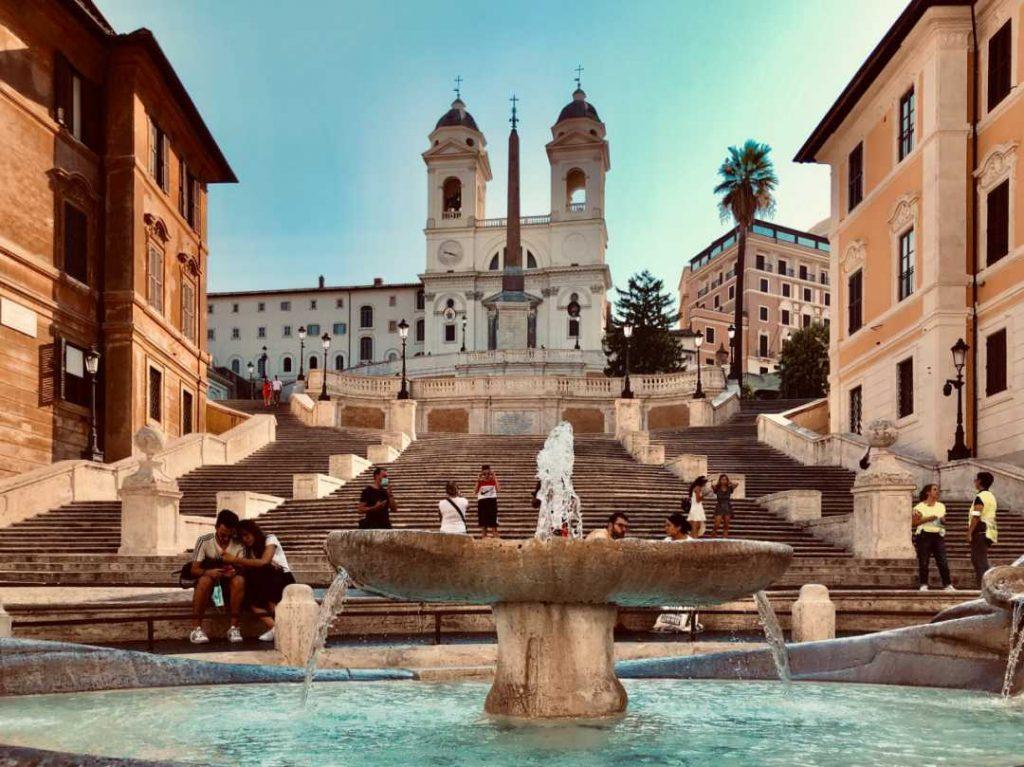 """<img src=""""square.jpg"""" alt=""""Piazza di spagna."""">"""